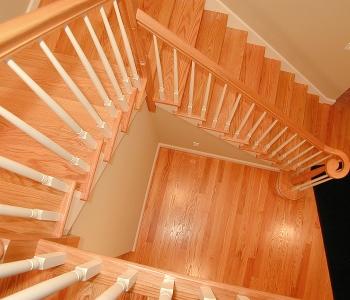 10 Benjamin Dr_Stairway down